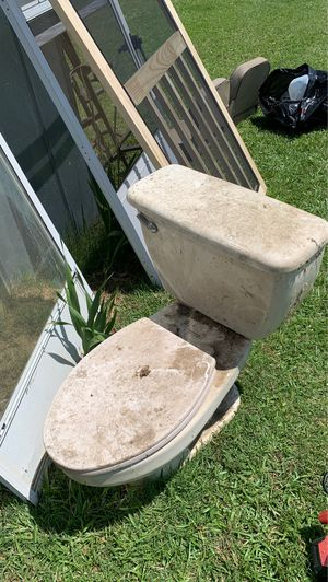 FREE TOILET for Sale in North, SC