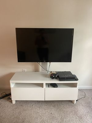 TV console with TV mount for Sale in Fort Lauderdale, FL