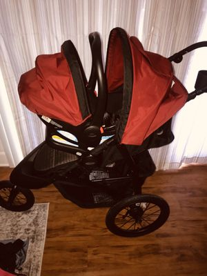 Car seat stroller and base for Sale in Nashville, TN