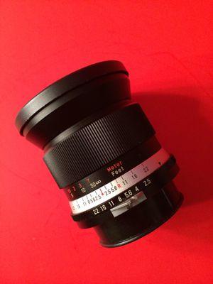 28 mm 2.5 vivitar lens for Sale in Hialeah, FL