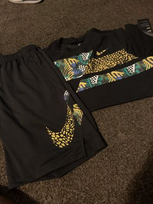 Men's large Nike for Sale in Columbus, OH