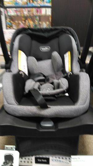 Evenflo car seat with the base and child safety sensor you plug in your car 150 or best offer I'm open to any offers just no lowballs for Sale in Columbus, OH