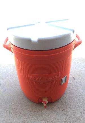 10 Gallon Rubbermaid Cooler for Sale in Tempe, AZ