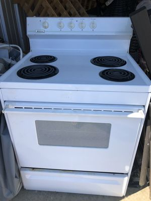 Frigidaire Electric Stove Half Home Depot price $225 for Sale in North Providence, RI