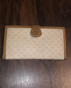 Authentic Gucci wallet for Sale in Vernon, CA