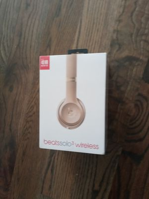 New Beats Solo3 Wireless Headphones- Gold for Sale in Nashville, TN