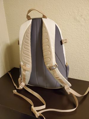 North Face backpack for Sale in Sacramento, CA