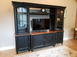 Modular Entertainment Wall Unit for Sale in Montgomery, TX