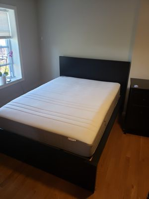 Queen size bed frame in excellent condition for Sale in Rockville, MD