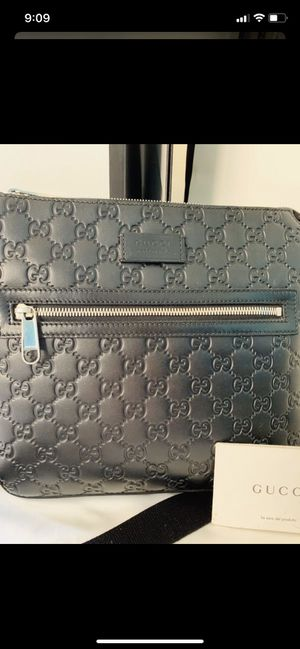 Men's Gucci bag for Sale in San Diego, CA