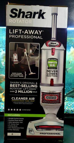 Shark - Rotator Professional Lift-Away NV501 Bagless Upright Vacuum Brand new 2 N 1 for Sale in Baldwin Park, CA