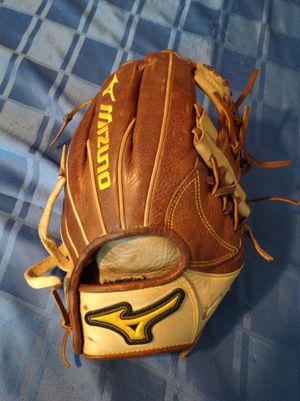 Mizuno 11 1/2 inch softball glove for Sale in Pompano Beach, FL