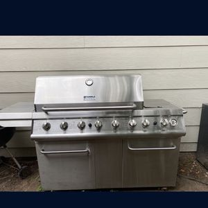 Huge Kenmore 6 burner bbq barbecue LP gas grill for Sale in New Braunfels, TX