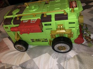 Ninja turtle truck with lot of figures!!! for Sale in St. Petersburg, FL