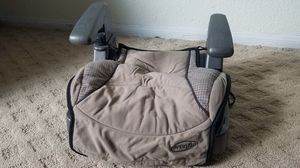 Graco booster with cup holder for Sale in Las Vegas, NV