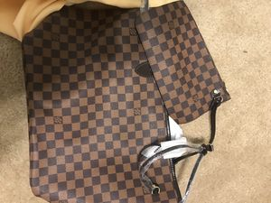 Louis Vuitton bag . Never been use. Great condition for Sale in Bellevue, TN