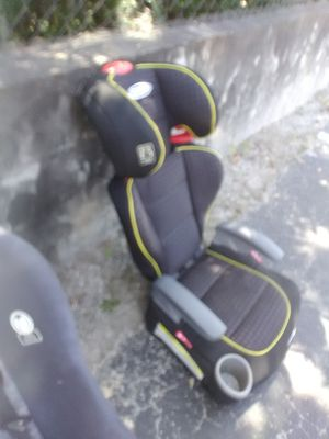 Gracco convertible carseat, booster seat baby kids for Sale in Lutz, FL