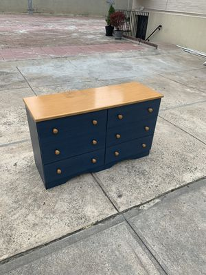 6 drawer small blue dresser for Sale in Queens, NY
