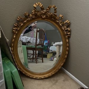 """Large Gold Victorian Mirror 32"""" X 24"""" for Sale in Pomona, CA"""