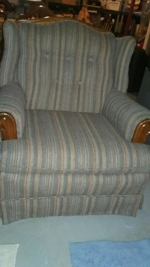 VERY NICE WELL MADE CHAIR for Sale in Tomahawk, WI