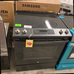 GE Electric Oven 30 In. 5.3 Cu. QRHP for Sale in Forney,  TX