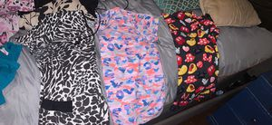 16Scrubs tops and 3 bottoms for 5$ each for Sale in Beaumont, TX