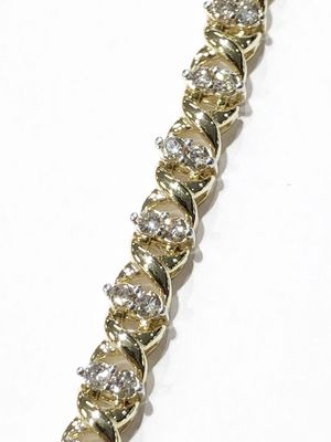"10K Yellow Gold Woman's Tennis Bracelet 8"" with approx 2.50cttw Diamonds **Great Buy** 10011849-1 for Sale in Tampa, FL"