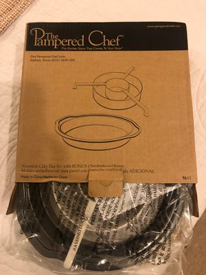 Pampered Chef cake pan for Sale in Ashburn, VA