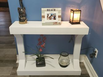 Modern Farmhouse Console Table for Sale in Springfield,  IL