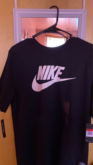 Nike shirt, size large for Sale in Riverdale, IL