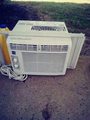 5,000 Btu Air conditioner for Sale in Columbus, OH