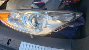 2013 hyundai sonata passanger side headlight for Sale in Harrisburg, PA