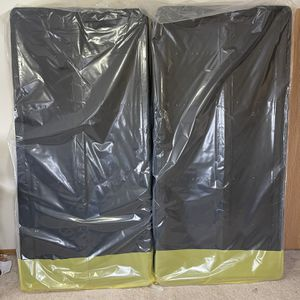Split Foundation for king size mattresses for Sale in Neenah, WI