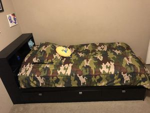 Twin Bed with drawers for Sale in Temecula, CA