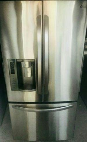 Lg Stainless Steel Bottom Freezer for Sale in Atlanta, GA