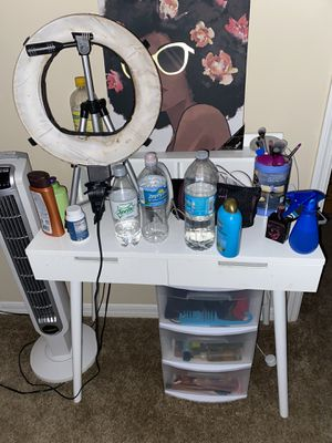 Vanity with mirror for Sale in Tampa, FL