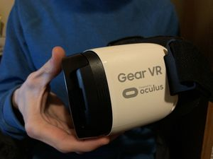 Gear VR Oculus (Micro USB, Android) for Sale in Catawba, NC