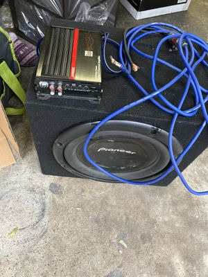 Sub,Amp,Wires for Sale in Annville, PA