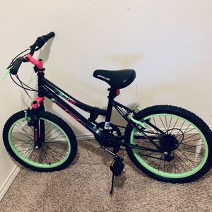 """Girl's 20"""" BCA Bike for Sale in Arlington, TX"""