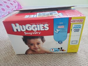 Huggies snug and dry size 3 - 112 count for Sale in Lynnwood, WA