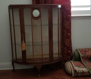 ANTIQUE DECO CURIO CHINA DISPLAY CABINET SMITH CLOCK for Sale in Fresno, CA
