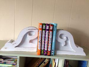 Shelf brackets for Sale in MONTGMRY, IL