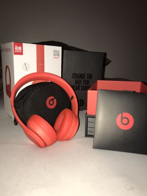 Beats Solo 3 Wireless (PRODUCT RED) for Sale in Victorville, CA