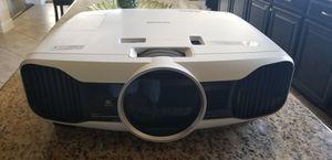 Epson 3LCD powerline Home Cinema 5030UB projector for Sale in Keller, TX