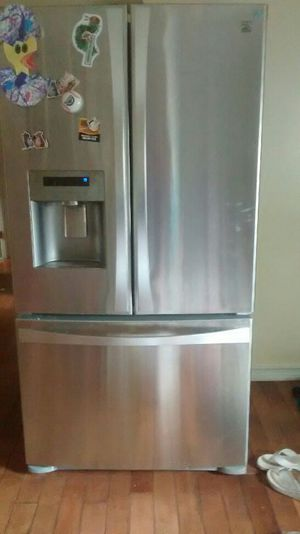 Refrigerator on sale, Electrolux, stanless still good condition, only no ice maker. for Sale in Denver, CO