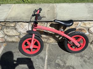 Hauck Traxx Balance Bike for Kids and Toddlers in Red for Sale in Bethesda, MD