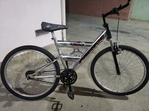 "26""MEN'S MOUNTAIN BIKE for Sale in Huntington Park, CA"