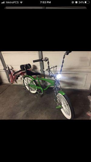 Lowrider bike with original everyyging for Sale in Chula Vista, CA