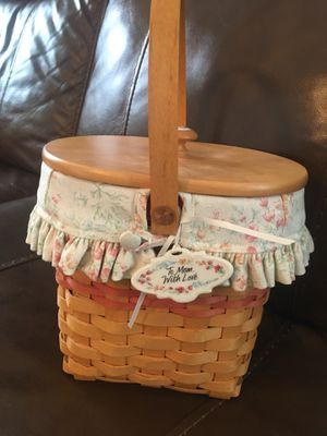 Longaberger basket. Mint condition with original liner for Sale in Parkland, FL