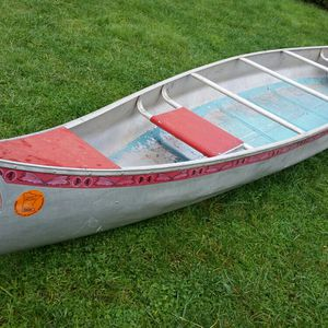 17 Foot Aluminum Canoe for Sale in Vancouver, WA